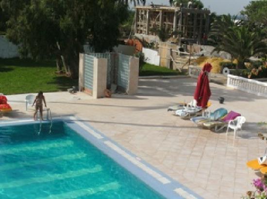 Hotel Movie Gate: buildingsite near the pool