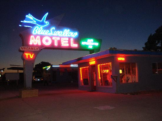 Blue Swallow Motel: Nostalgic Neon sets off this wonderful motel full of character