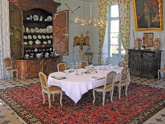 Chateau de la Barre: Grand XVIIth century dining room