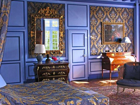 Chateau de la Barre: Renaissance mirror in Chambre Marin