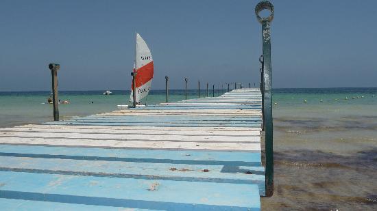 Sangho Club Zarzis : ponton de la plage