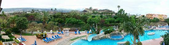 Blue Sea Costa Jardin & Spa: PANORAMICA DE LA PISCINA DE DIA
