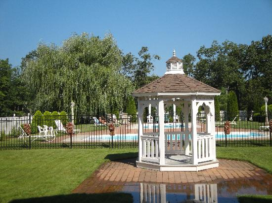 Egg Harbor City, NJ: Tuscany Hotel at Renault Winery Resort