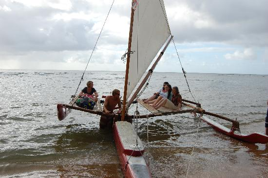 Island Sails Kaua'i : On the canoe