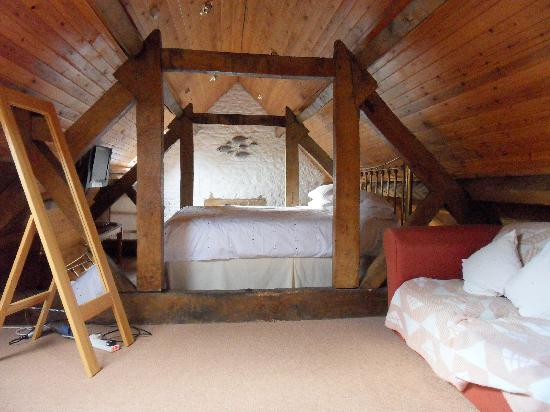 Holywell Farm: Cosy bedroom