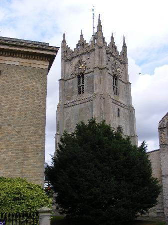 Wisbech & Fenland Museum: Wisbech Museum & St.Peter's church