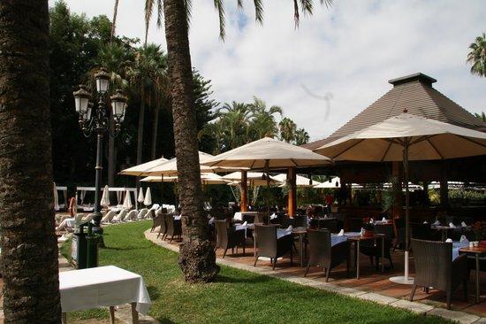 Hotel Botánico & The Oriental Spa Garden: Restaurant-Terrasse