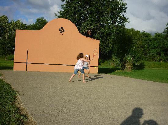 Bidart, Francia: tennis wall