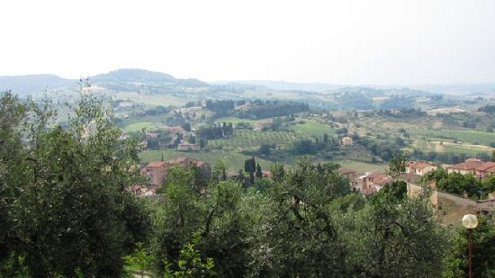 Podere La Marronaia Agriturismo: Viewed from bastion in San Gimignano