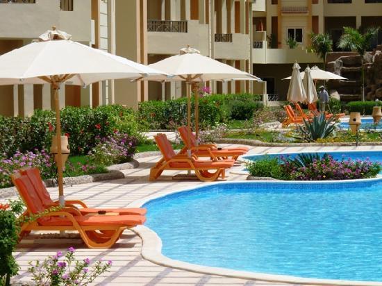 El Andalous Apartments : Pool area