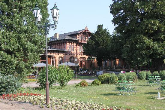 Dorint Herrenkrug Parkhotel Magdeburg: Garden restaurant
