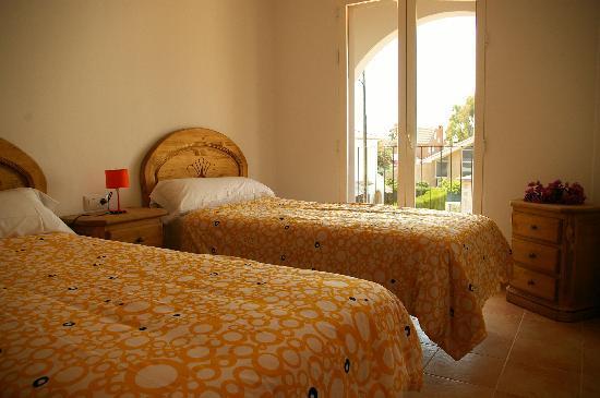 Apartments Concha del Mar: Bedroom with 2 individual beds