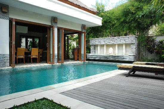 The Residence Seminyak: Pool area