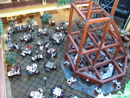 Embassy Suites by Hilton Denver International Airport : Center Lobby w/ mining motif