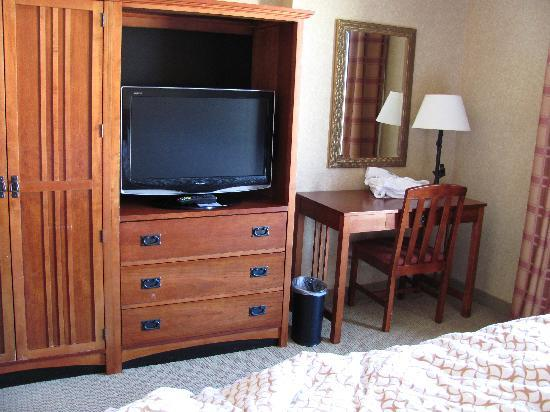 Embassy Suites by Hilton Denver International Airport : Bed Room