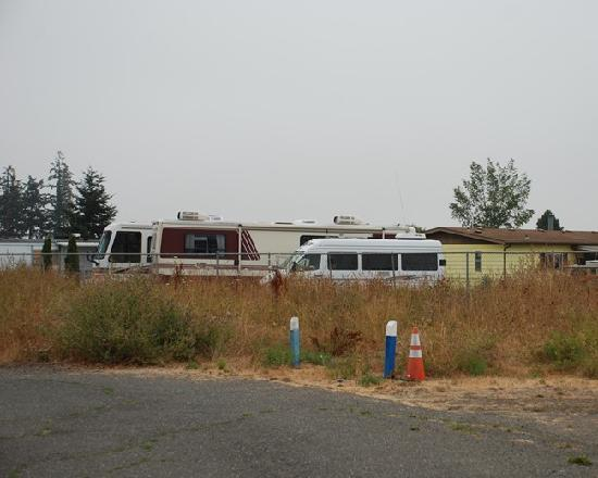 Sequim West Inn & RV Park: Pet Walk area