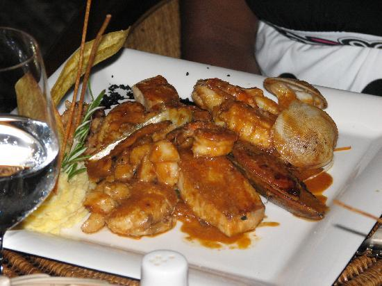 Xeliter Golden Bear Lodge: Seafood feast