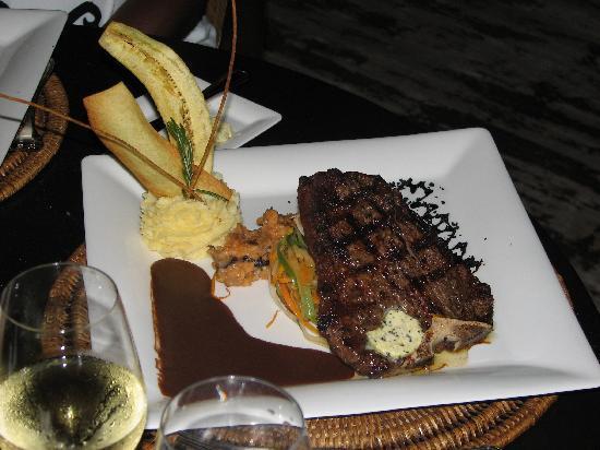 Xeliter Golden Bear Lodge : My husband had steak