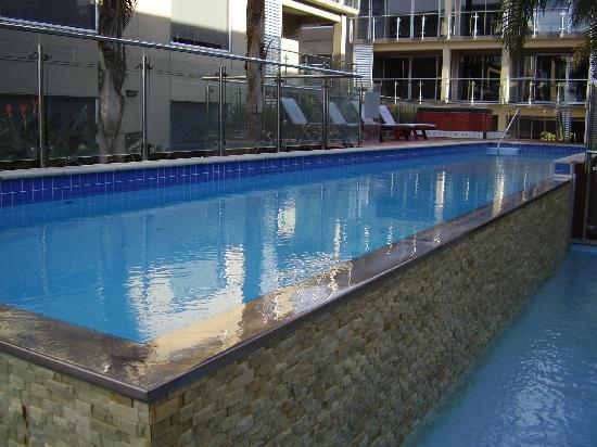 Edgewater Palms Apartments: Swimming pool & hot spa