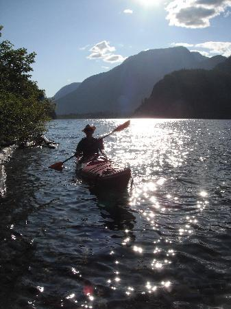 Strathcona Park Lodge & Outdoor Education Centre: Sunset Kayak