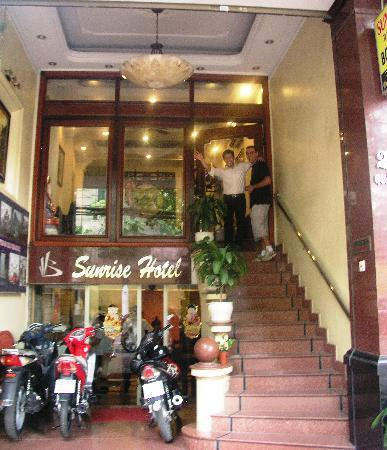 Sunrise Hotel - 9 Hang Mam : Front entrance of Sunrise Hotel