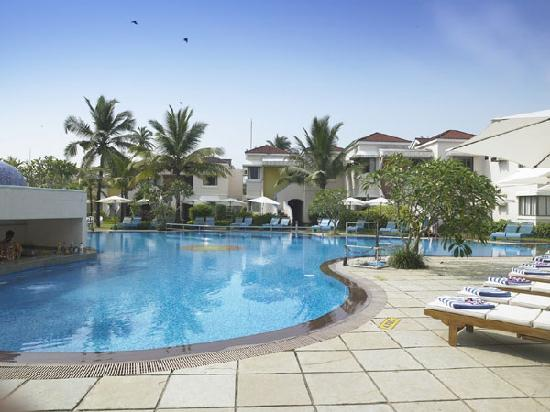 Royal Orchid Beach Resort Spa Goa Nice Pool