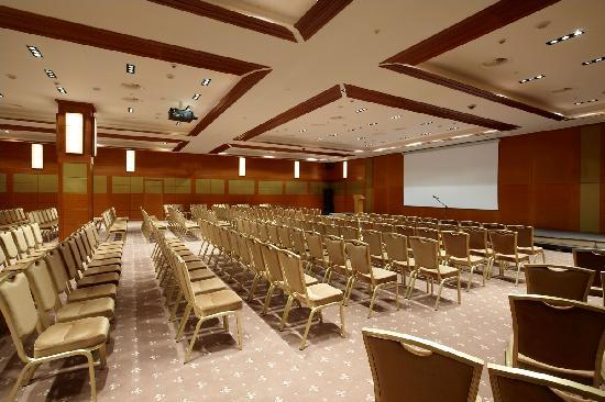 Рэдиссон Ройал Москва: Conference Hall with capacity for up to 350 guests