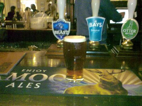 Hunter's Inn: A Welcome Pint On The Bar