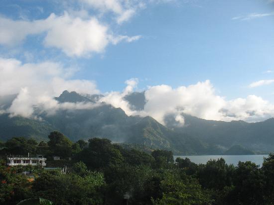 San Pedro La Laguna, Guatemala: vue de notre chambre/terrasse
