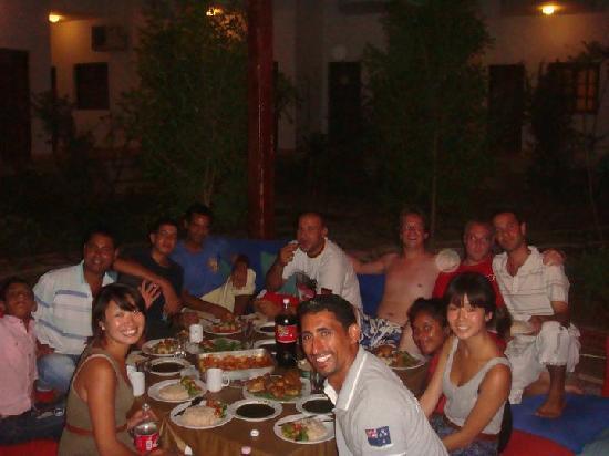 Alaska Camp & Hotel: dinner with alaska crew!