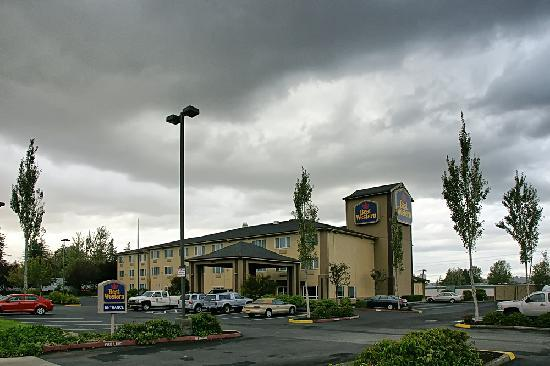 BEST WESTERN PLUS Cascade Inn & Suites: Das Best Western in Troutdale