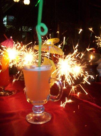 Sultan Ahmet Restaurant : our drinks :)