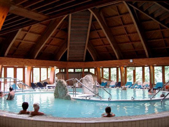Danubius Health Spa Resort Heviz: Die beiden Thermalbecken mit 33° und 37° warmem Wasser