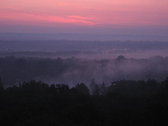 Danubius Health Spa Resort Heviz : Morgenrot über dem Thermalsee
