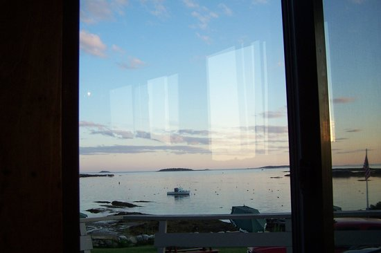 Anna's Water's Edge Restaurant: View out Water's Edge window