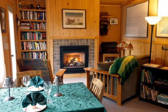 Grand Marais, MN: B&B Commons room