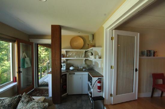 Seastone at Sandy Hook: Small kitchen (well outfitted)
