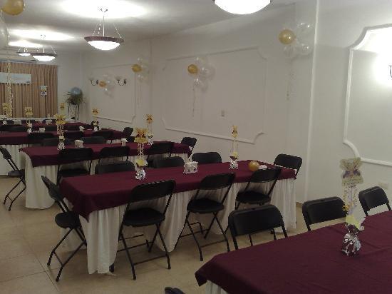 هوتل ناسيونال ميريدا: festejando una primera comunion en el salon de eventos