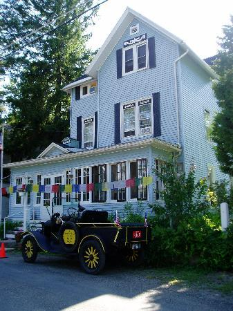 Lily Dale, NY: Jewel on the Lake