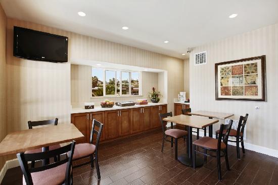 Motel 6 La Mesa CA: Lobby