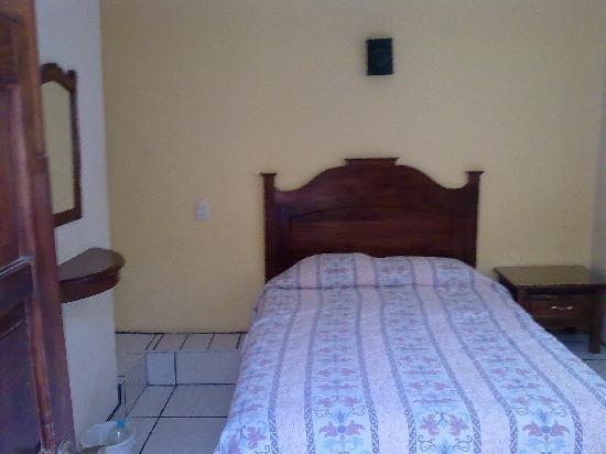 Hotel Posada Camelinas : Habitacion bonita y limpia