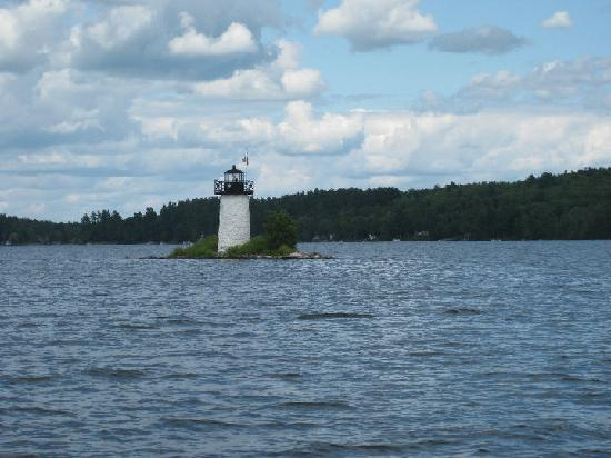 Axell's Scandinavian Inn: lighthouse at the lake