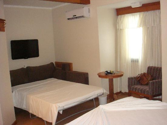 Hotel Laghetto Premio: Triplo com sofá cama