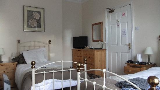 Rose-Fitt House: bedroom