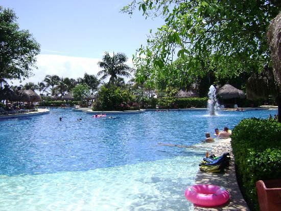 Iberostar Tucan Hotel: the glorious pool, bring your own raft