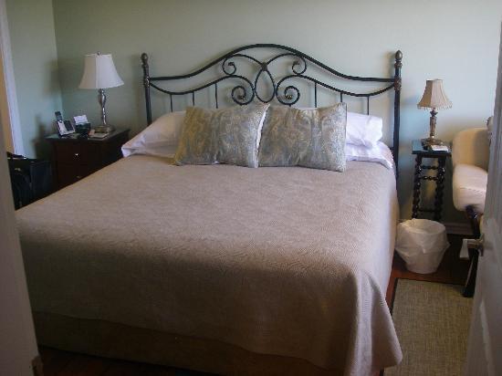 Island Serenity Chemainus Bed & Breakfast / Vacation Rental: Bedroom