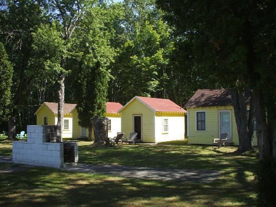 Katahdin Cabins: The cabins
