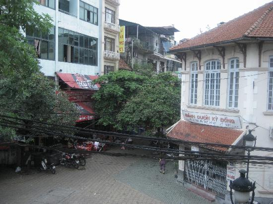 Puku Cafe and Sports Bar: Puku view from upstairs
