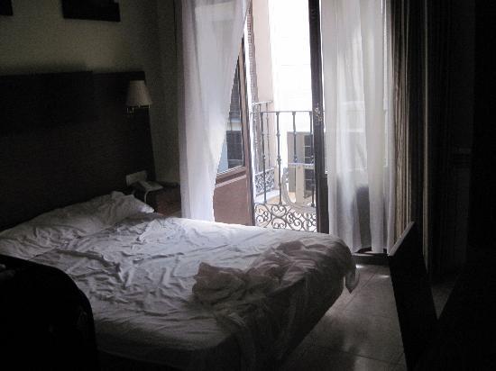 Hostal Atocha Almudena Martin: camera con vista sul cortile