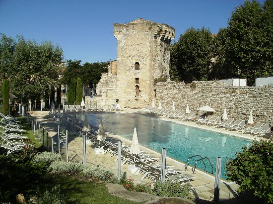 Aquabella Hotel: THE SWIMMING POOL